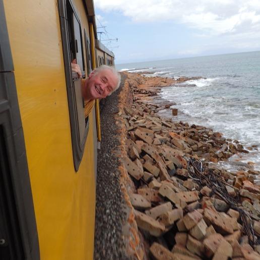 False bay, la voie ferrée longe la mer pour notre grand bonheur!